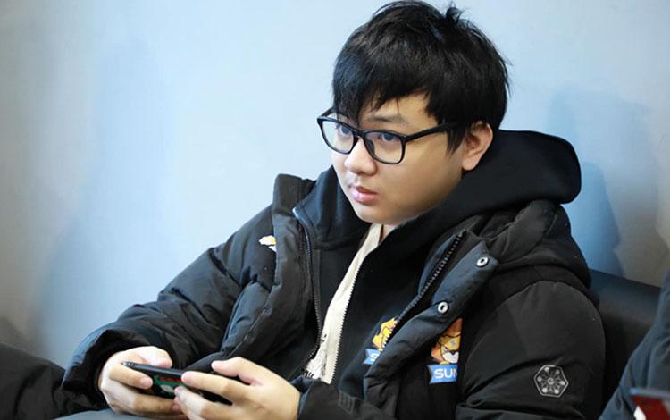 Đương đầu với Covid-19, Trung Quốc dự kiến cho LPL thi đấu dưới hình thức Online