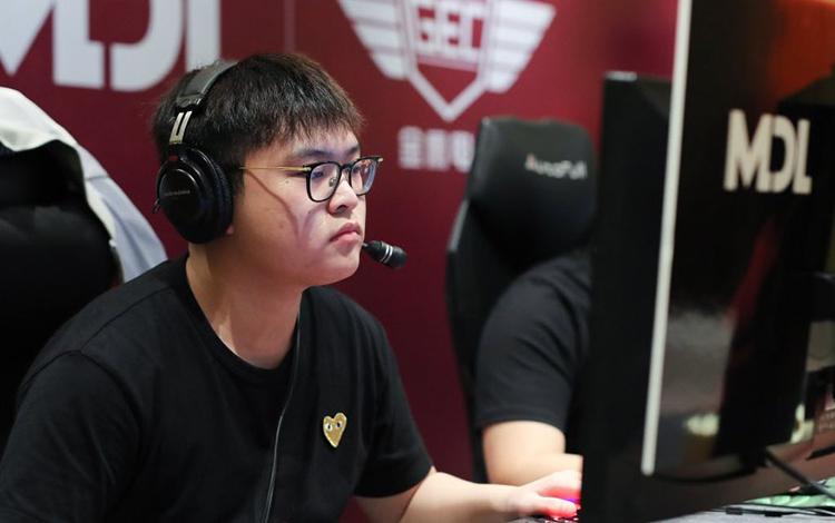 Srf trở thành đồng đội với Ame tại CDEC Gaming