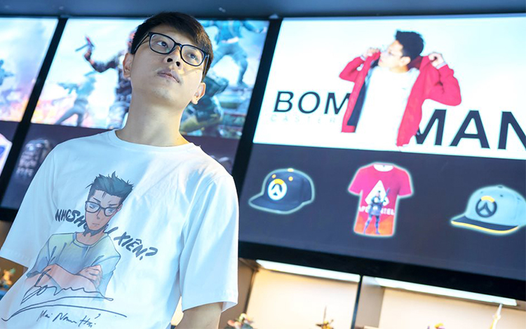 Ấm lòng với nghĩa cử cao đẹp của người anh cả của làng CS:GO Việt - Bomman