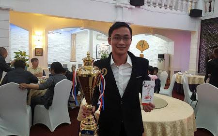 Bình luận viên JQ Shenlong chia tay AoE Nghệ An