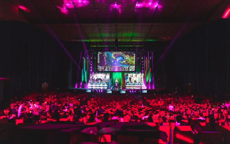Ở Việt Nam, thể thao điện tử biến đam mê thành sự nghiệp