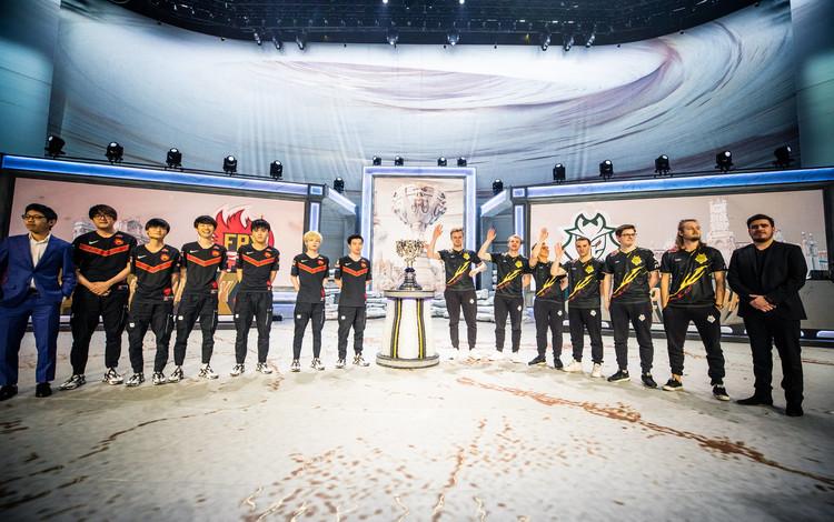 Chung kết CKTG 2019 - FunPlus Phoenix vs. G2 Esports: Ngôi vương vẫy gọi