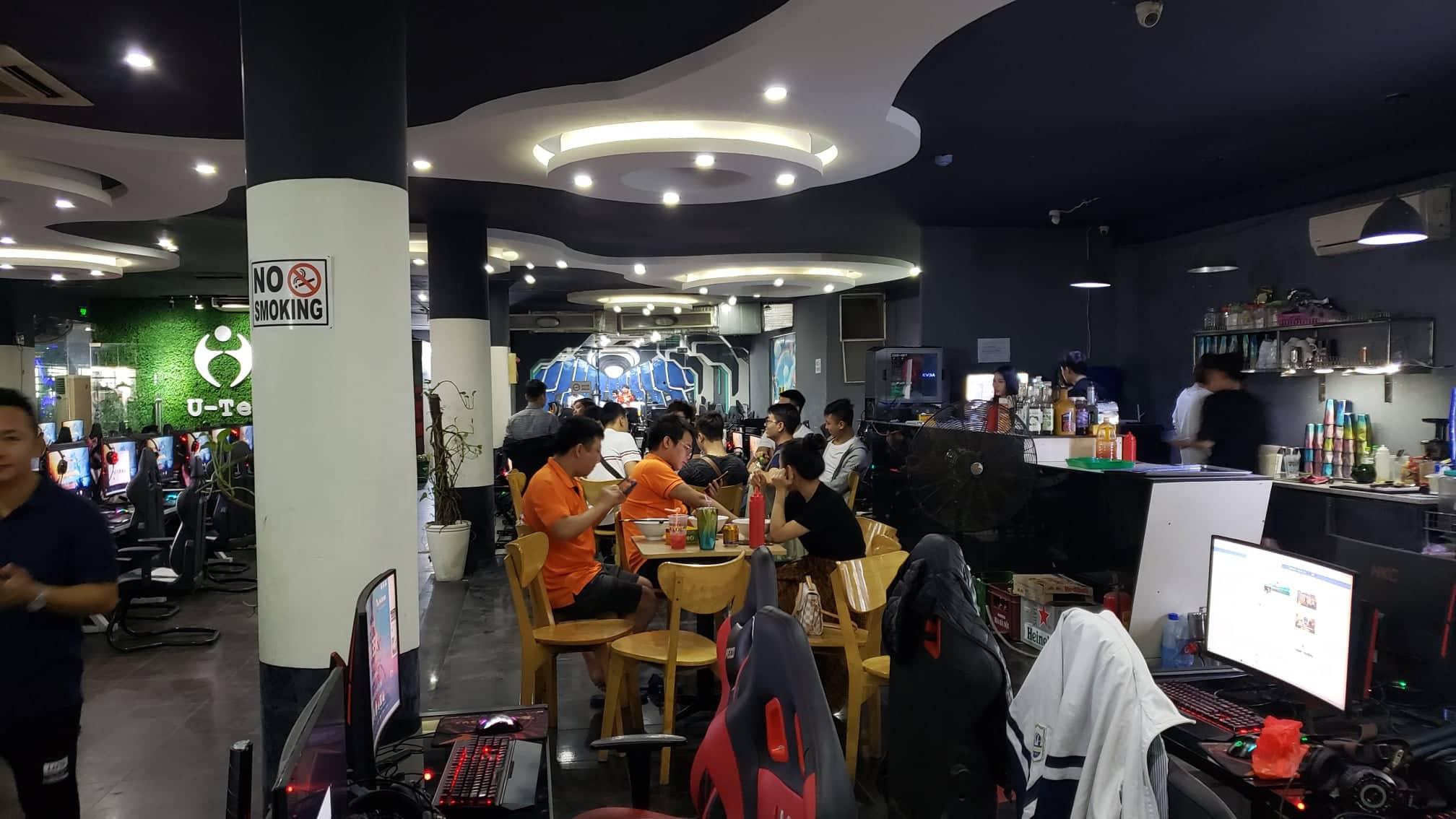 Đông đảo các game thủ đã có mặt tại địa điểm thi đấu