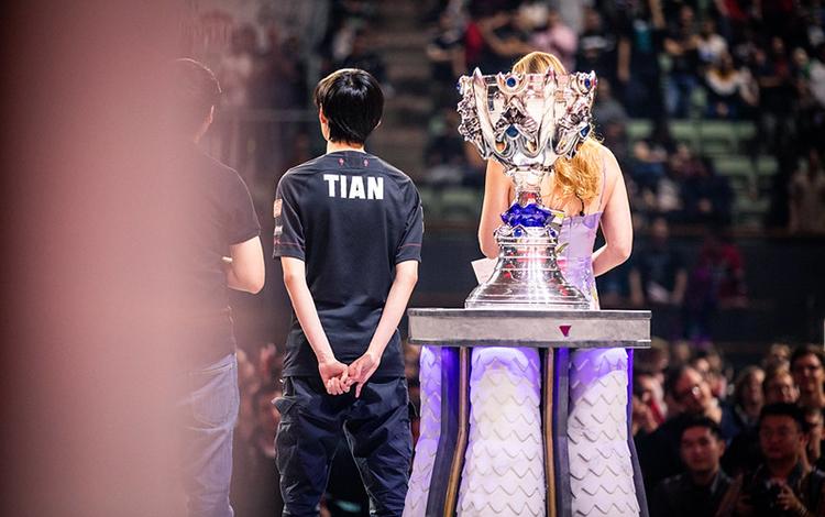 """FPX Tian: """"Sau trận chung kết sắp tới, tôi muốn khán giả phải hét lên """"FunPlus Phoenix"""""""""""