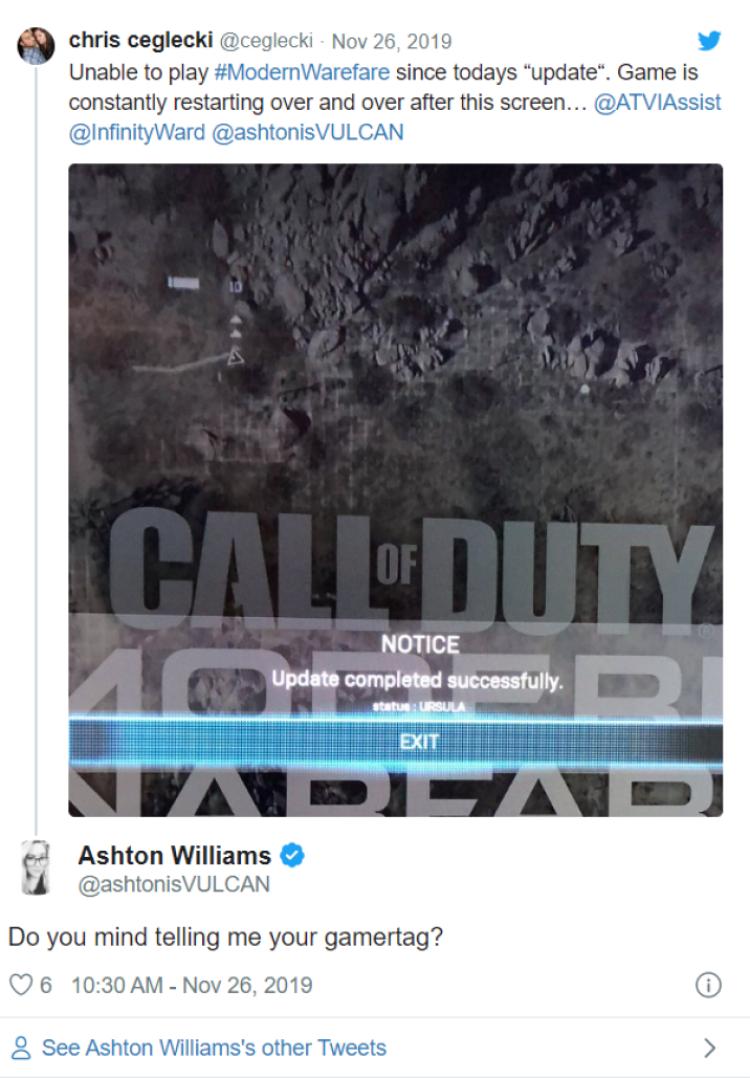 giám đốc truyền thông cao cấp Ashton Williams