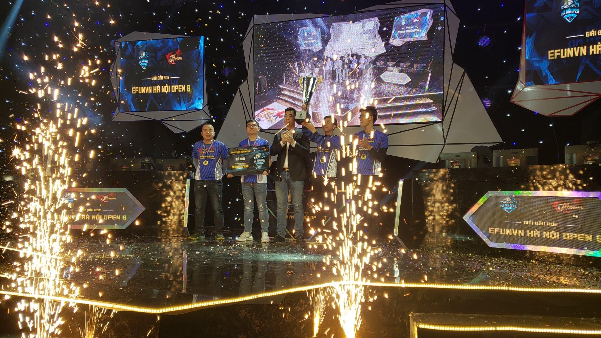 Chiếc cup vô địch 4vs4 đầy xứng đáng của EFUNVN BiBiClub sau những nỗ lực không ngừng