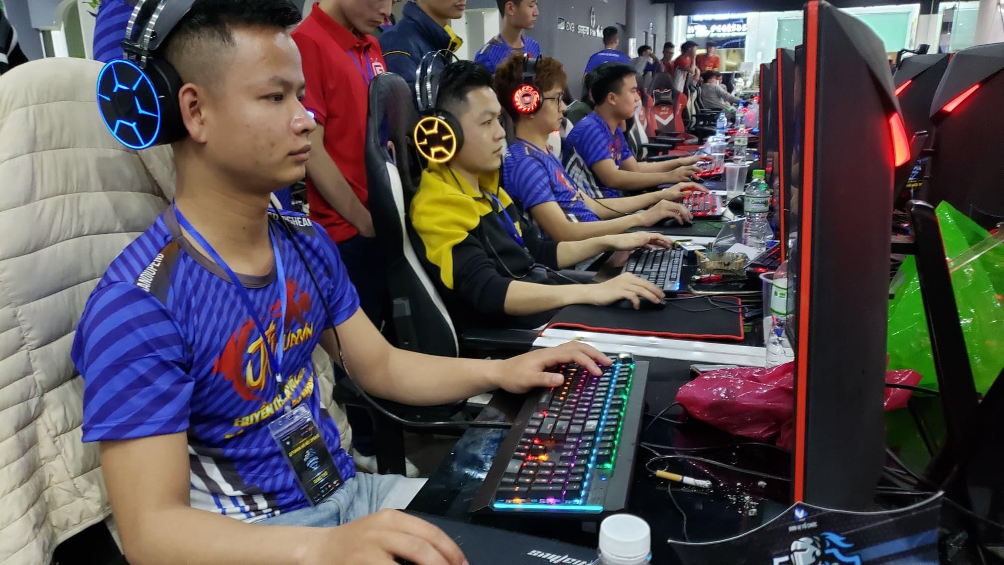Nghệ An trở thành cựu vô địch khi bị loại ngay từ vòng bảng nội dung 4vs4 Random
