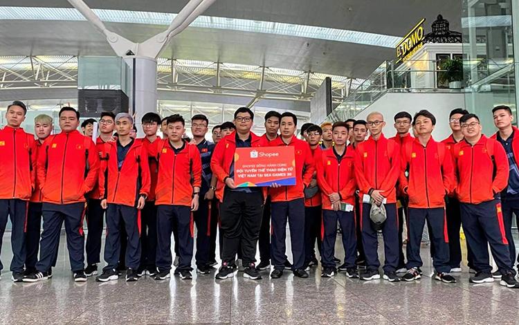 Đoàn thể thao điện tử Việt Nam chính thức đặt chân lên đất Philippines