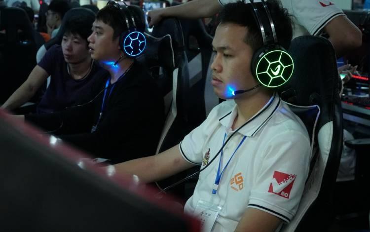 Tường thuật trực tiếp ngày thi đấu thứ 2 EFUNVN Hà Nội Open 8