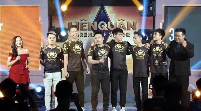 Thất bại trước Thái Lan đội tuyển Việt Nam chấp nhận mất ngôi đầu bảng