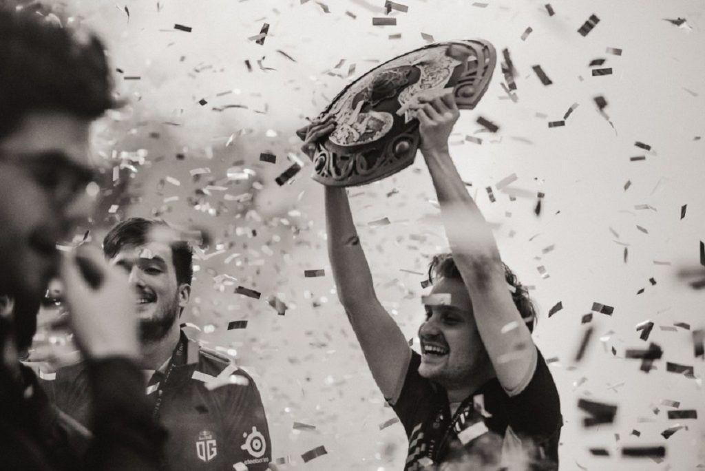 """jerax ti9 - Nhà vô địch TI vĩ đại JerAx chính thức """"treo chuột"""" ở tuổi 27"""
