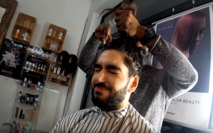 Scream cắt tóc