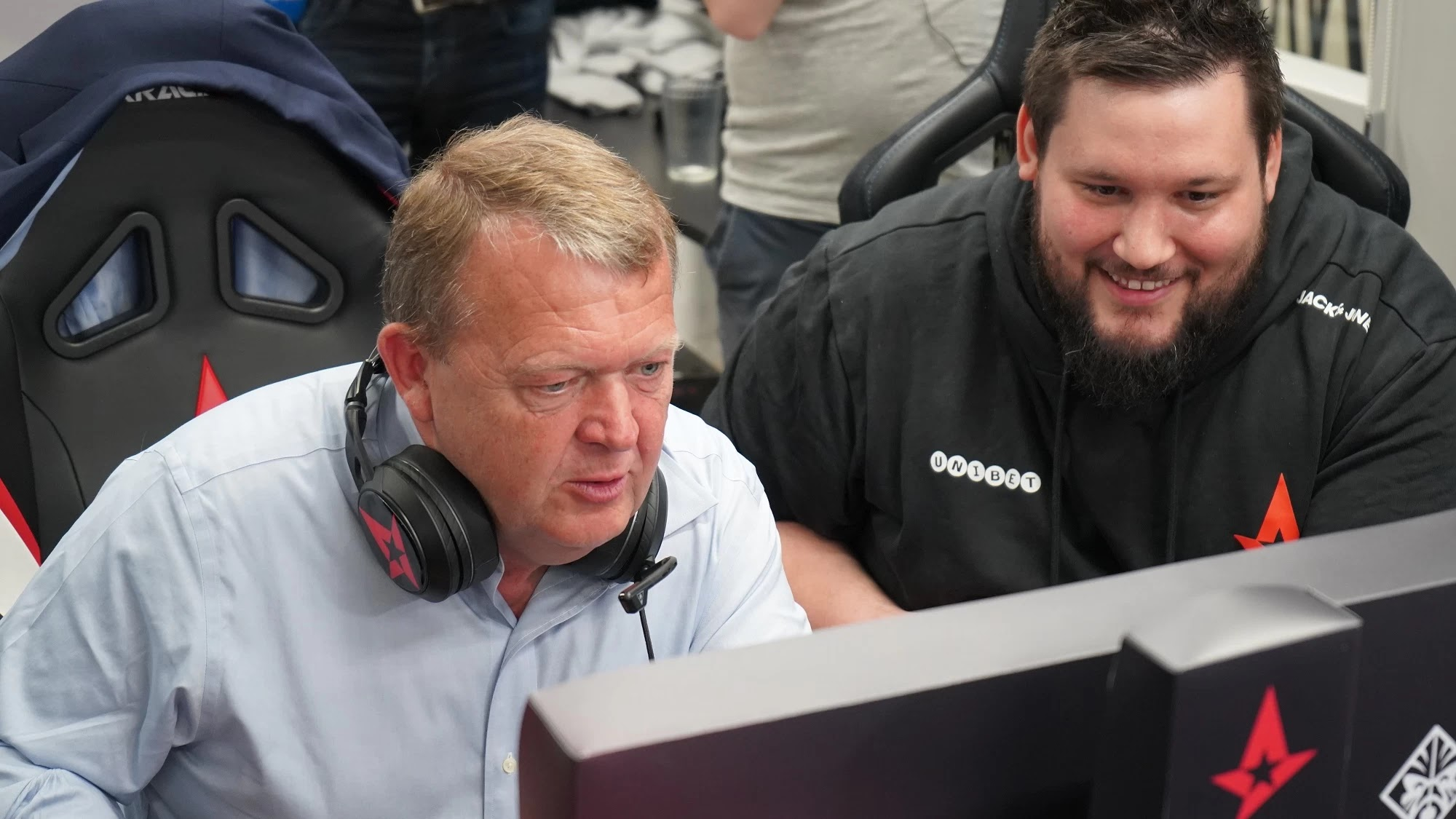 [CS:GO] Thủ tướng Đan Mạch chơi CS:GO cùng các game thủ của Astralis và công bố chiến lược phát triển nền eSport quốc gia.
