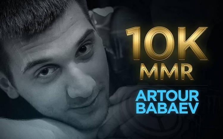 Arteezy trở thành game thủ đầu tiên trở lại với 10.000 MMR ở mùa Rank này