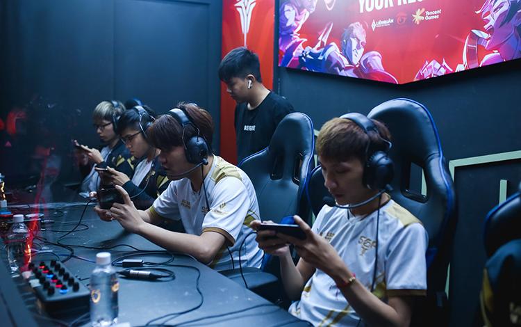 Saigon Phantom hú hồn ở ngày thi đấu cuối cùng vòng bảng APL 2020
