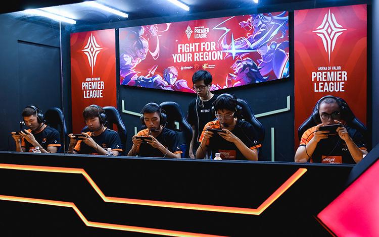 """Liệu Team Flash và Saigon Phantom có khả năng tạo nên """"siêu kinh điển"""" tại APL 2020"""
