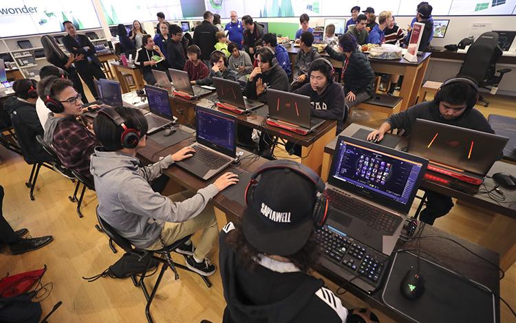 Cạn lời với nam thanh niên trường eSports phải học lại môn Game sinh tồn