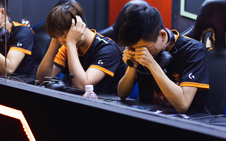 Liên Quân Việt Nam rời cuộc chơi sau thất bại cay đắng tại tứ kết APL 2020