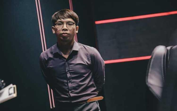 CHÍNH THỨC: Ngài Ren tái xuất trong màu áo Sài Gòn Buffalo