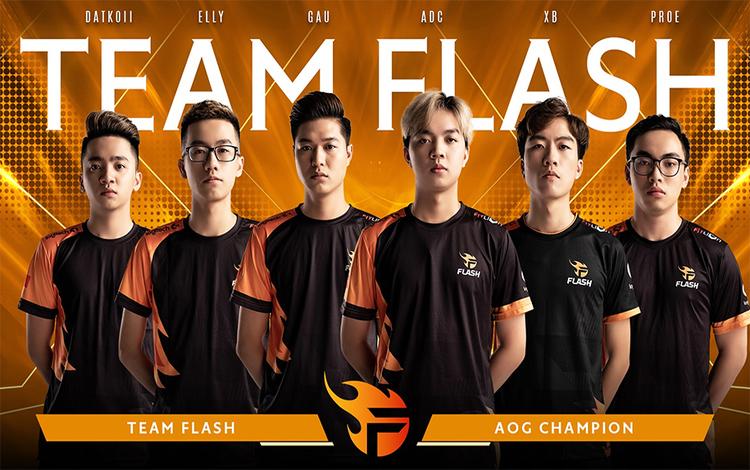 Sau quản lý Phương Top, cựu giám đốc truyền thông Team Flash chính thức rời đi