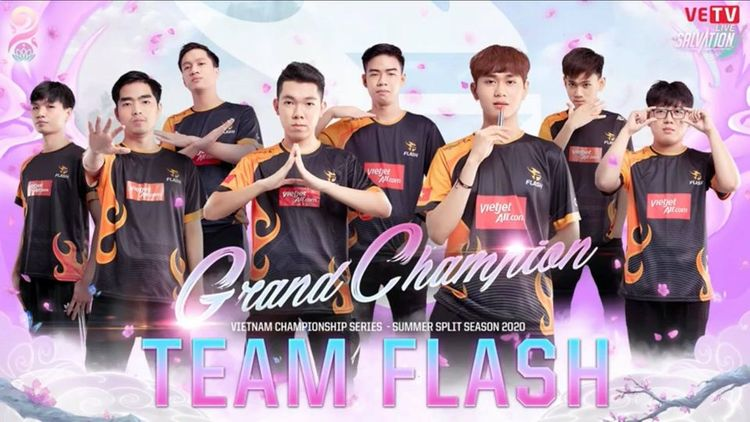 Chung kết VCS mùa hè 2020: Team Flash đăng quang thuyết phục
