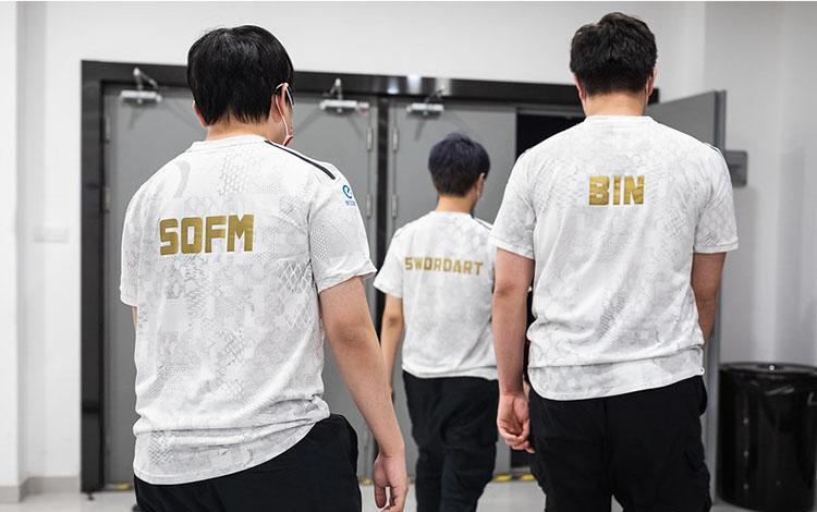 Tổng kết ngày 3 vòng bảng CKTG 2020: SofM có cho mình chiến thắng đầu tiên
