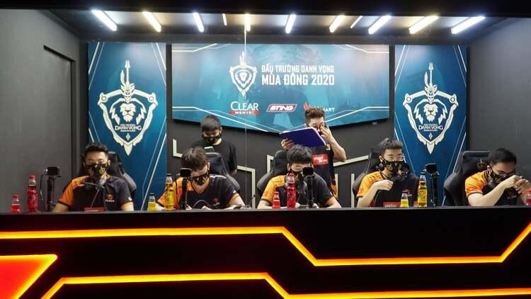 Thua thảm BOX Gaming, Team Flash đón nhận mưa chỉ trích từ cộng đồng LQMB