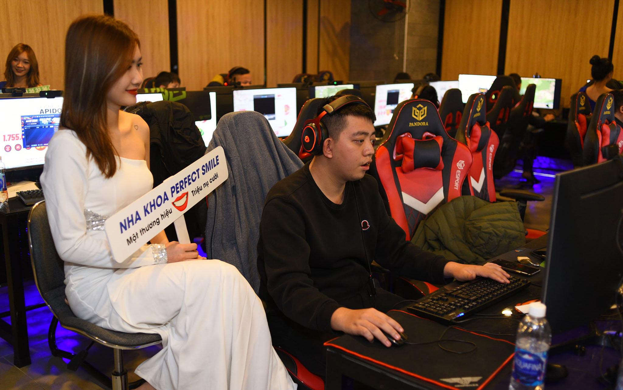 AoE Việt Trung 2021: Tường thuật trực tiếp ngày thi đấu thứ hai - nội dung 2vs2 Assyrian.