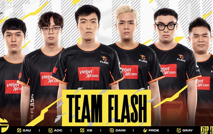 """Đúng như lời đồn, ADC cùng Team Flash tạo ra mùa chuyển nhượng """"tấu hài"""" khi vẫn thi đấu ở ĐTDV 2021 dù đã tuyên bố giải nghệ"""
