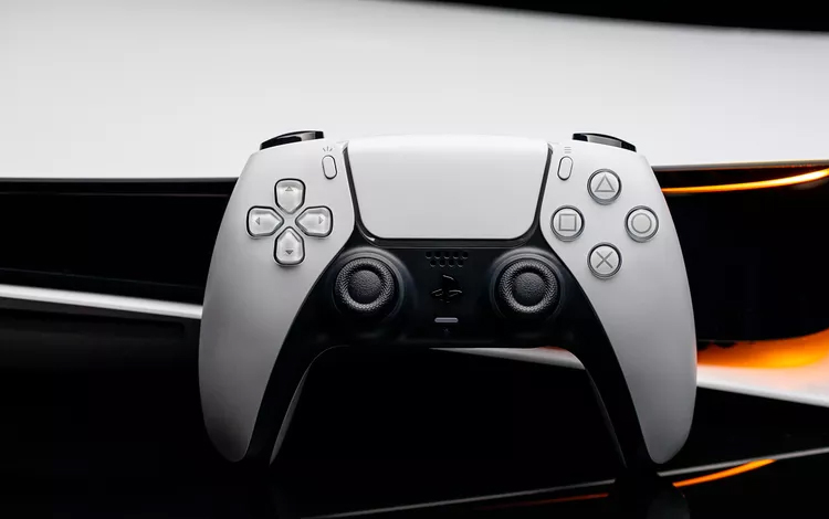 iOS 14.5 sẽ hỗ trợ tay cầm PS5 DualSense và Xbox Series X