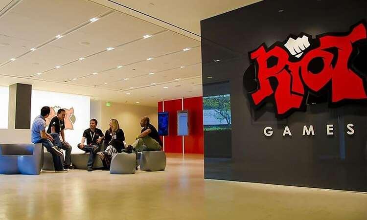 """Riot Games bị tố """"chơi không đẹp"""" khi cấm các tổ chức Esports dính dáng đến Dota 2"""