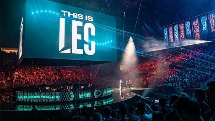 Một đại diện của LEC chuẩn bị phải bán suất thi đấu do khủng hoảng tài chính