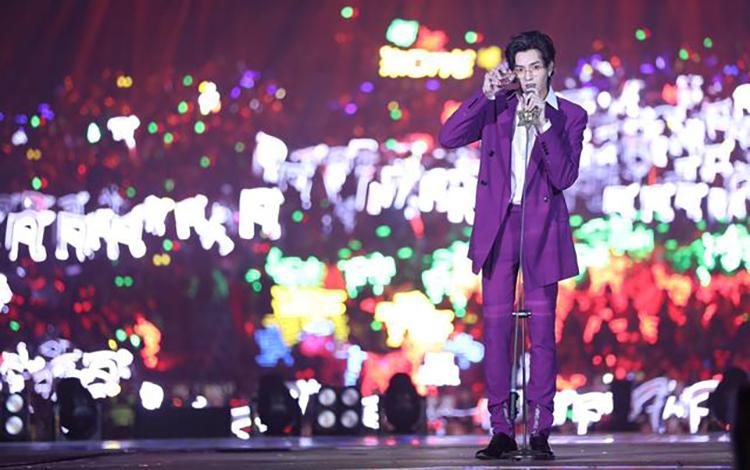 Dù đã chấm dứt hợp đồng nhưng Tencent vẫn để trang phục lấy cảm hứng từ Ngô Diệc Phàm
