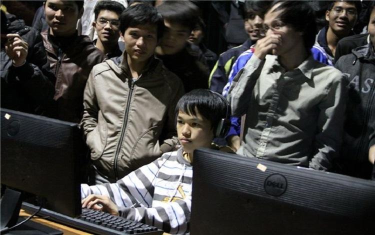 Bản Tin AoE ngày 14/09: Sau chiến thắng hủy diệt trước đàn em Nam Sociu, Chim Sẻ Đi Nắng sẽ có cuộc thử lửa tài năng trẻ 2K1