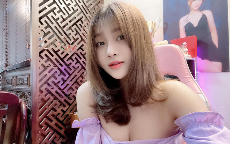 """Trong thời điểm """"sao kê"""" chiếu mạng hàng loạt sao Việt, nữ streamer ngon nhất Liên Quân chia sẻ quan điểm làm từ thiện đúng đắn khiến nhiều người tâm đắc"""