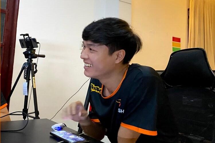 """Đè bẹp đại kình địch trong ngày khai mạc, Team Flash đăng status """"cà khịa"""" cực gắt các thần đồng Saigon Phantom"""