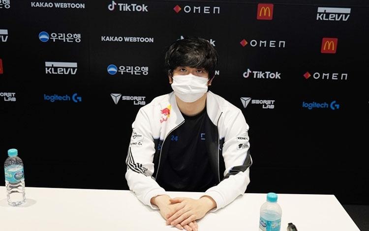 """Kết thúc LCK Mùa Hè 2021 với thành tích tệ hại, HLV từng bị tố bạo hành học trò phải """"khăn gói ra đi"""" khỏi DragonX"""
