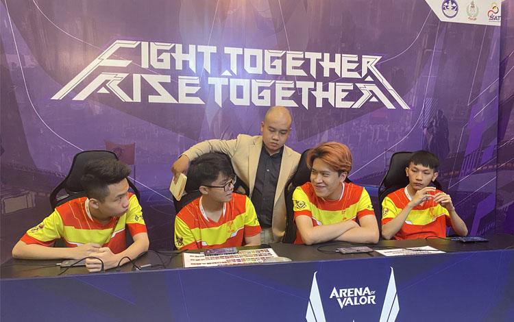 Đội hình xuất sắc nhất tuần 2 của ĐTDV Mùa Đông lộ diện, fan hâm mộ chỉ quan tâm duy nhất việc cà khịa các thần đồng của SGP