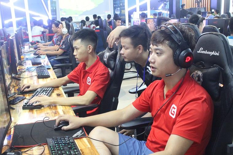 Bản tin ngày 08/09: Mạnh Hào giành chiến thắng áp đảo trước Hehe