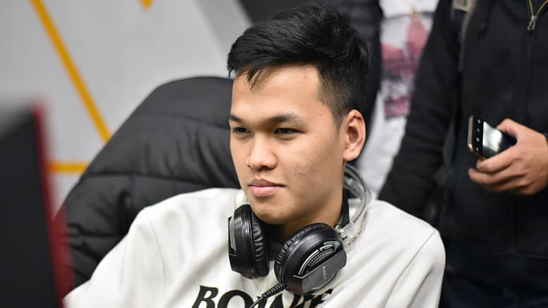 Tạm bỏ lại sau lưng tất cả những ồn ào, Chim Sẻ Đi Nắng quay trở lại tham dự siêu giải đấu AoE Việt Nam Open 2019