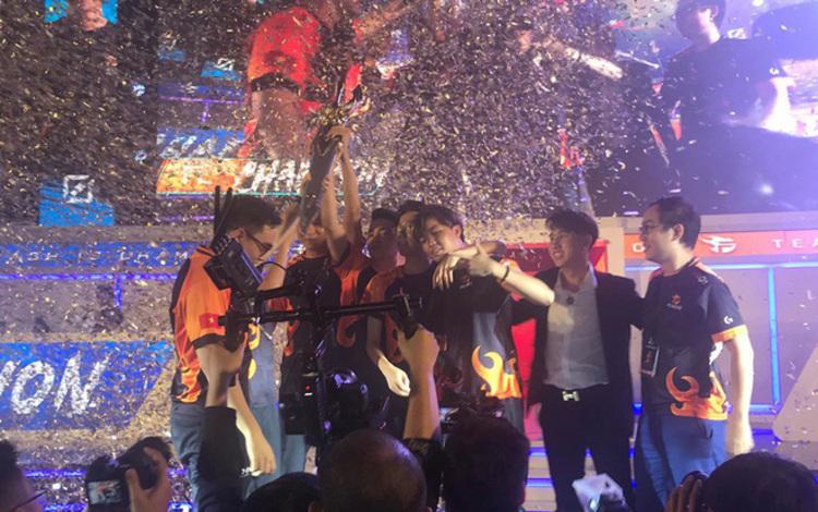 Team Flash lập kỷ lục vô tiền khoáng hậu tại Đấu Trường Danh Vọng sau thắng lợi trước IGP
