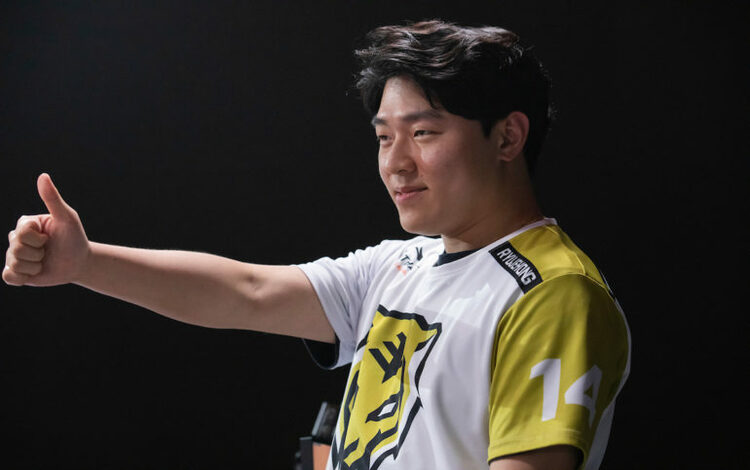 Rời Seoul Dynasty, Ryujehong gia nhập Vancouver Titans để chuẩn bị cho Overwatch League 2020