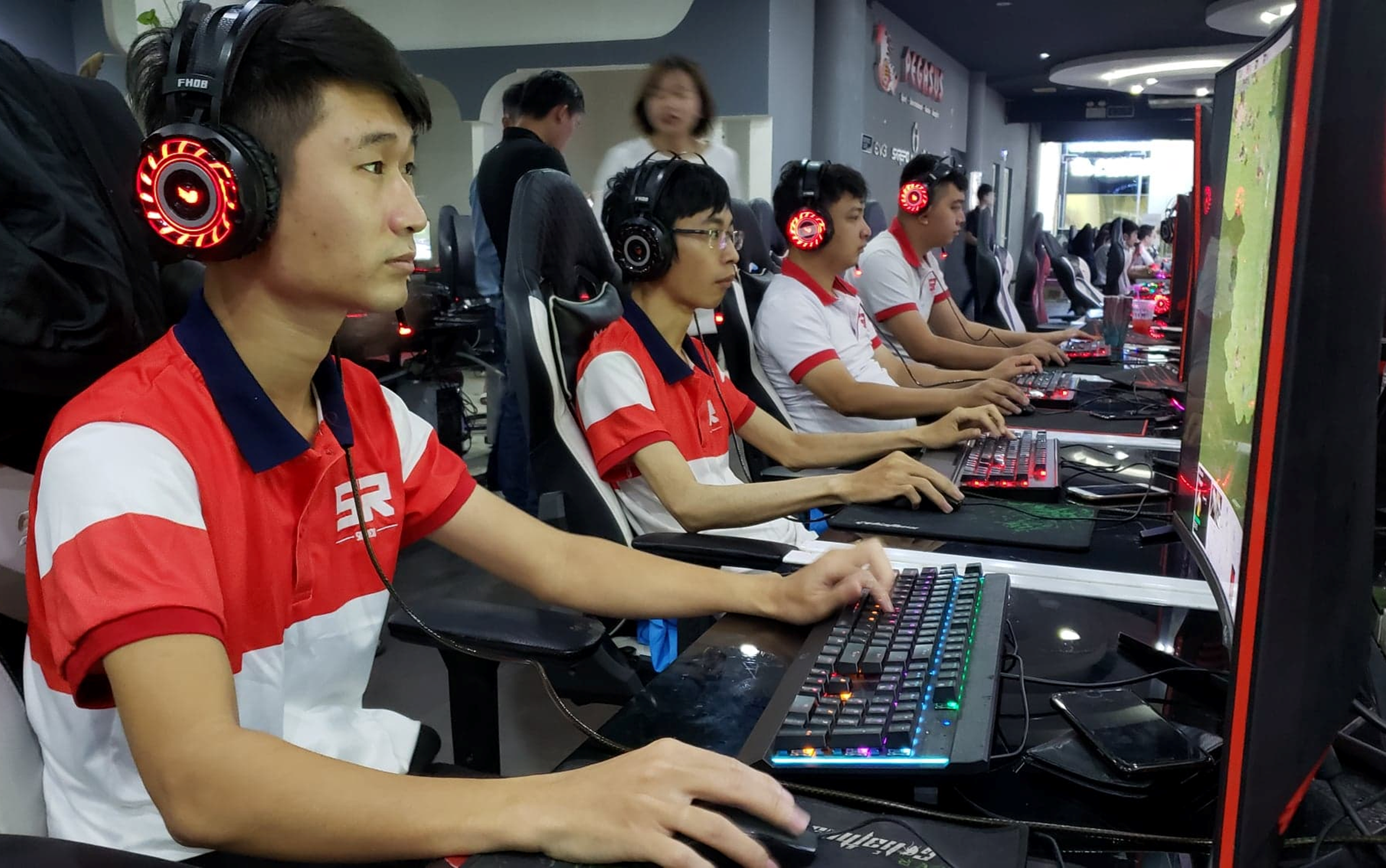 Thiếu vắng HeHe, liệu Skyred có thể tiến xa tại giải đấu AoE EFUNVN Hà Nội Open 8 Championship?
